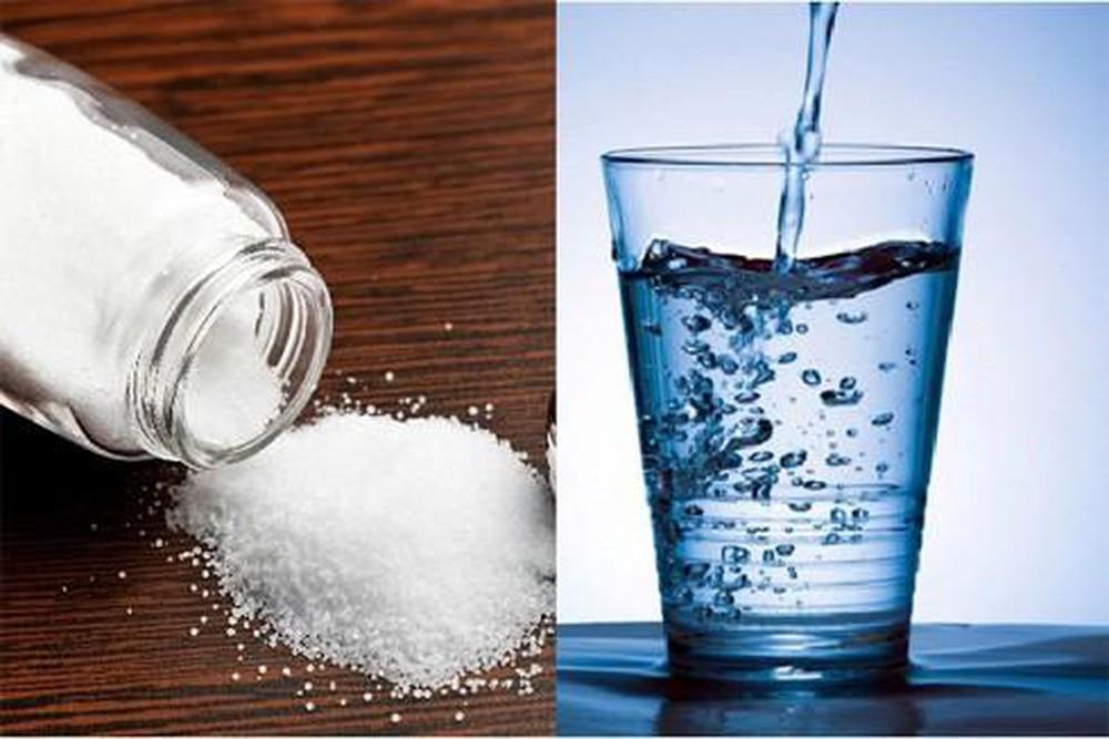 Súc họng bằng nước muối có giúp bạn chống được COVID-19?
